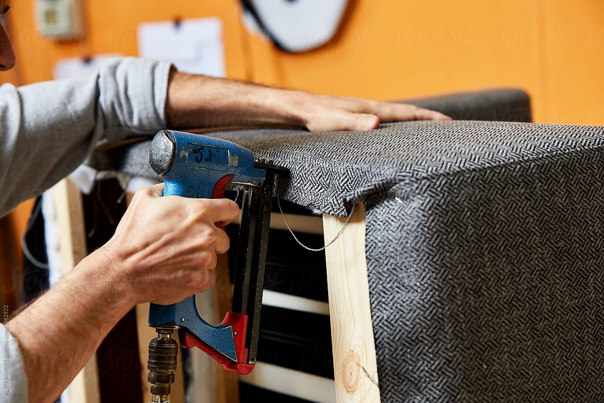 Angajăm tapițeri în Marea Britanie