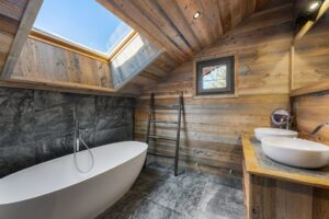 Chalet Haapiti Bathroom Meribel France SKII