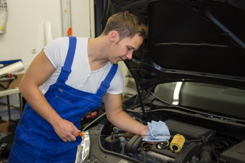 Angajam Mecanic Auto - Salariu Avantajos