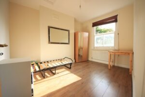 f80e3ab474-rent-room