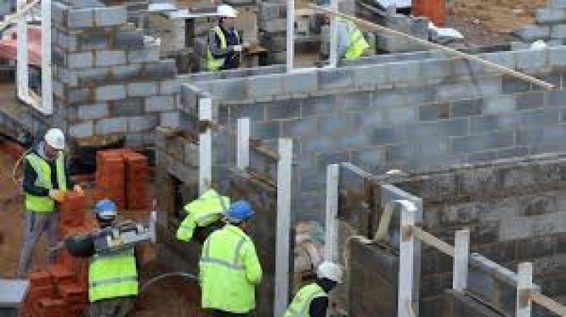 FIXERI-LEGAT FIER-Munca in Constructii